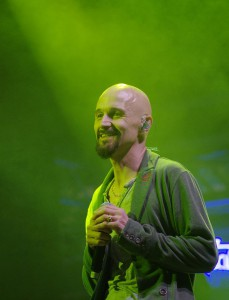Tim Booth (James)