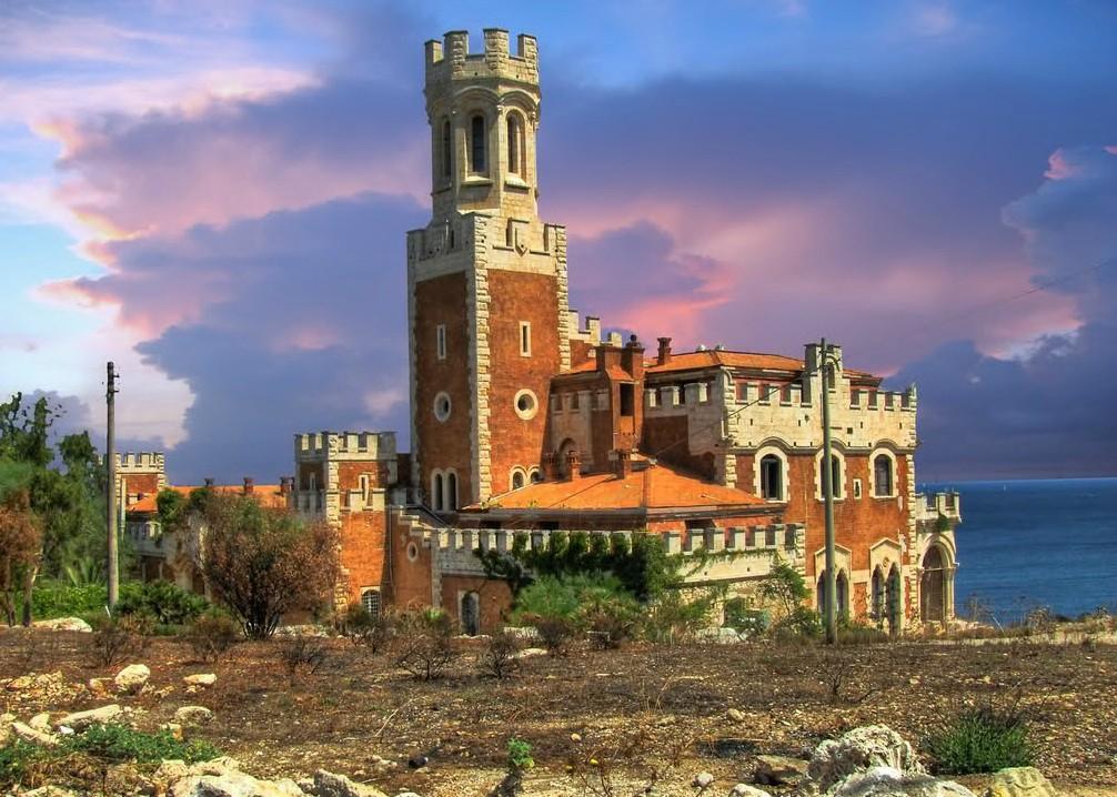 Замок Тафури